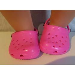 crocs hard roze met hartjes...